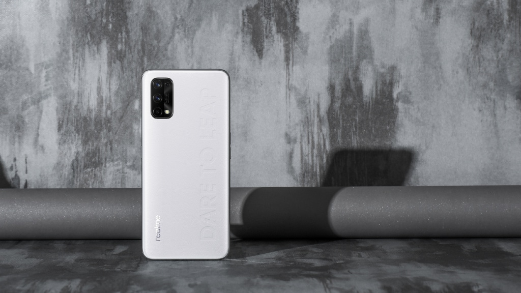 Realme Q2 Pro first look