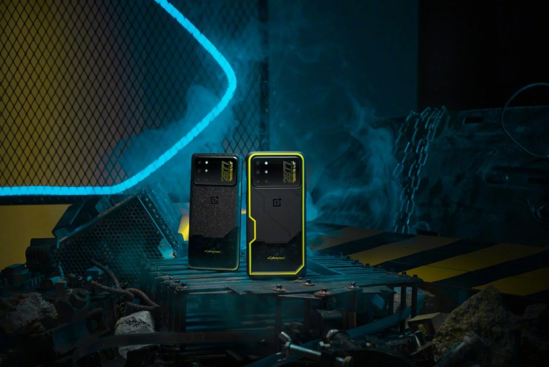 OnePlus 8T Cyberpunk 2077 Limited Edition launched in China. It comes in 12GB + 256GB version, is priced at 3,999 yuan (US$ 597 / Rs. 44,430 approx.)...