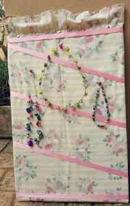 DIY jewellery organiser