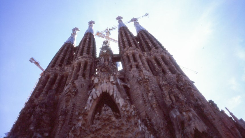 Barcelona 2017 – walking with Ricoh GR1s and Fujifilm Velvia 100F – part ii