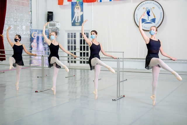 Back to the barre 2021/2022! New classes at VIBA!