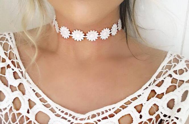 True Treasures Style File - all you need to know about Choker Fashion