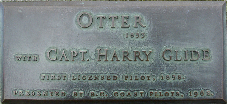 Plaque 37 Steamboat Otter and Captain Harry Glide