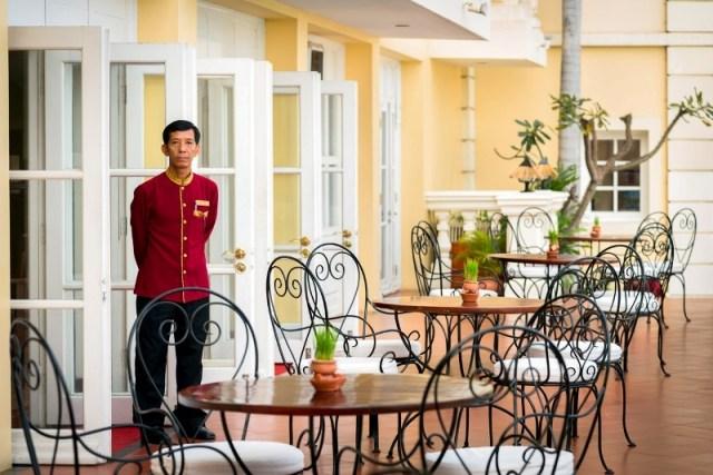 Victoria Chau Doc Hotel_Vietnam_Mekong Delta_Terrace_Tan Chau Bar (2)