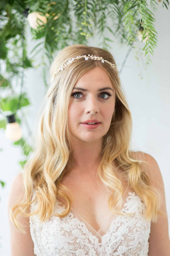 Ceilys-gold-droplet-wedding-hair-vine-