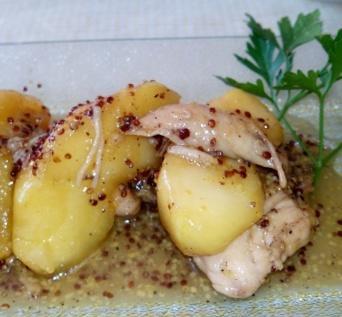 Pollo con manzana, miel y mostaza. Para un día especial. Una receta original con sabores agridulces y solo para paladares preparados.