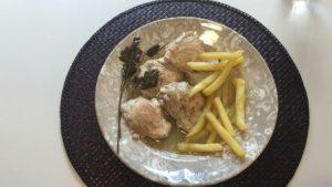 Esta receta de pollo al limón te va a encantar y también a sorprender; el pollo queda jugoso y con una salsita que harás que te chupes los dedos. Ya verás.