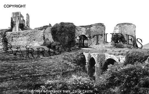 Corfe Castle, Bridge and Entrance Gate c1910