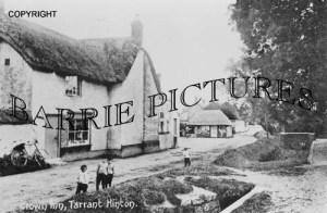 Tarrant Hinton, Crown Inn c1900