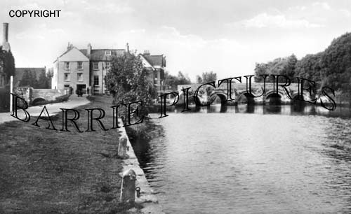Christchurch, River from Convent Walk c1950