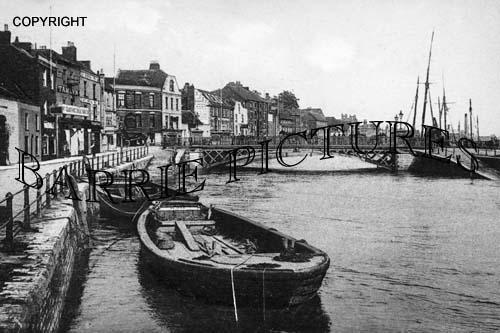 Bridgwater, River and Bridge c1905