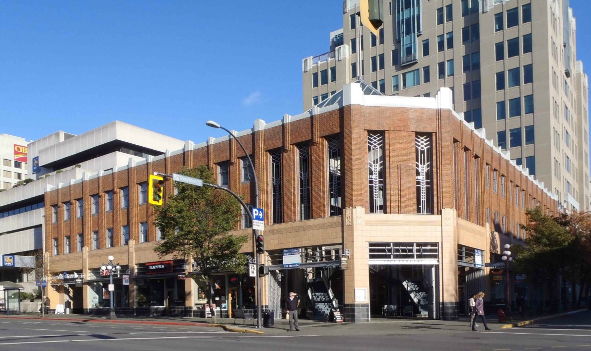 1001 Douglas Street. Built in 1938 as the Sussex Apartment Hotel.