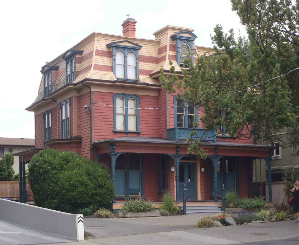 1124 Fort Street