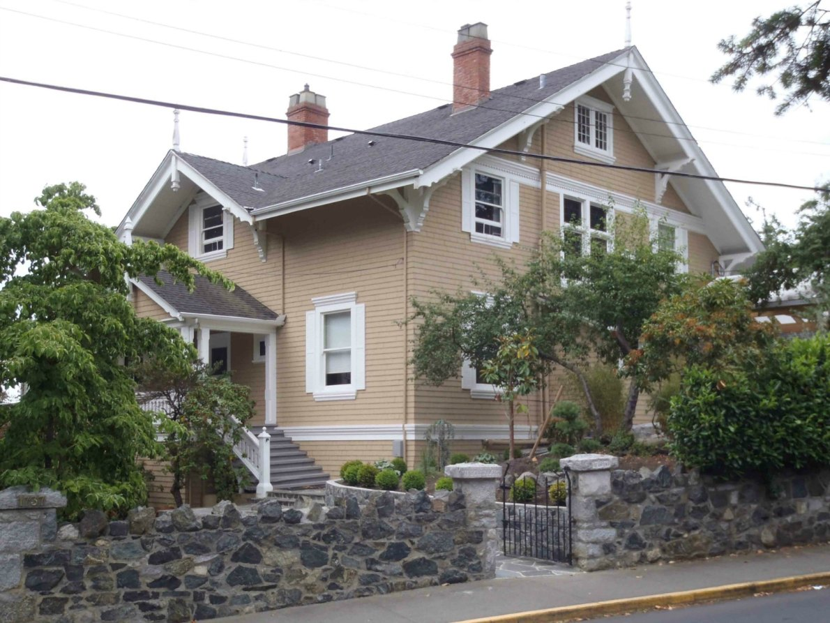 1737 Rockland Avenue, designed by architect Francis Rattenbury in 1902 for Archibald Galletly