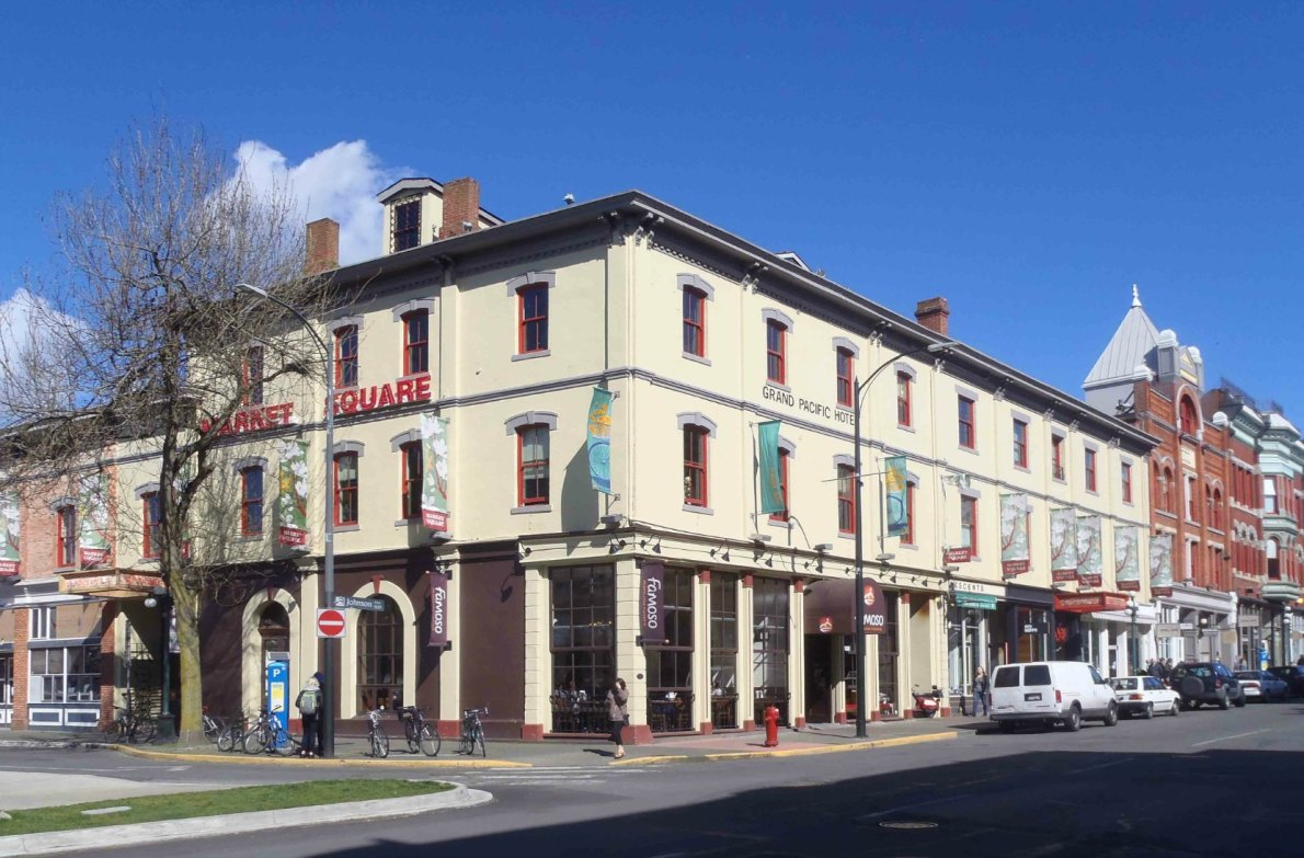 530-540 Johnson Street / 1405-1413 Store Street, built by Giacomo Bossi in 1879 with additions in 1883 and 1887. (photo by Victoria Online Sightseeing Tours)