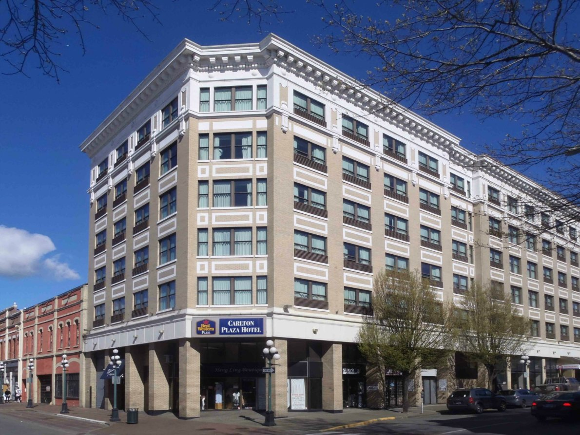 642 Johnson Street, now the Carlton Plaza Hotel. Originally built in 1912 as the Saint James Hotel. (photo by Victoria Online Sightseeing Tours)