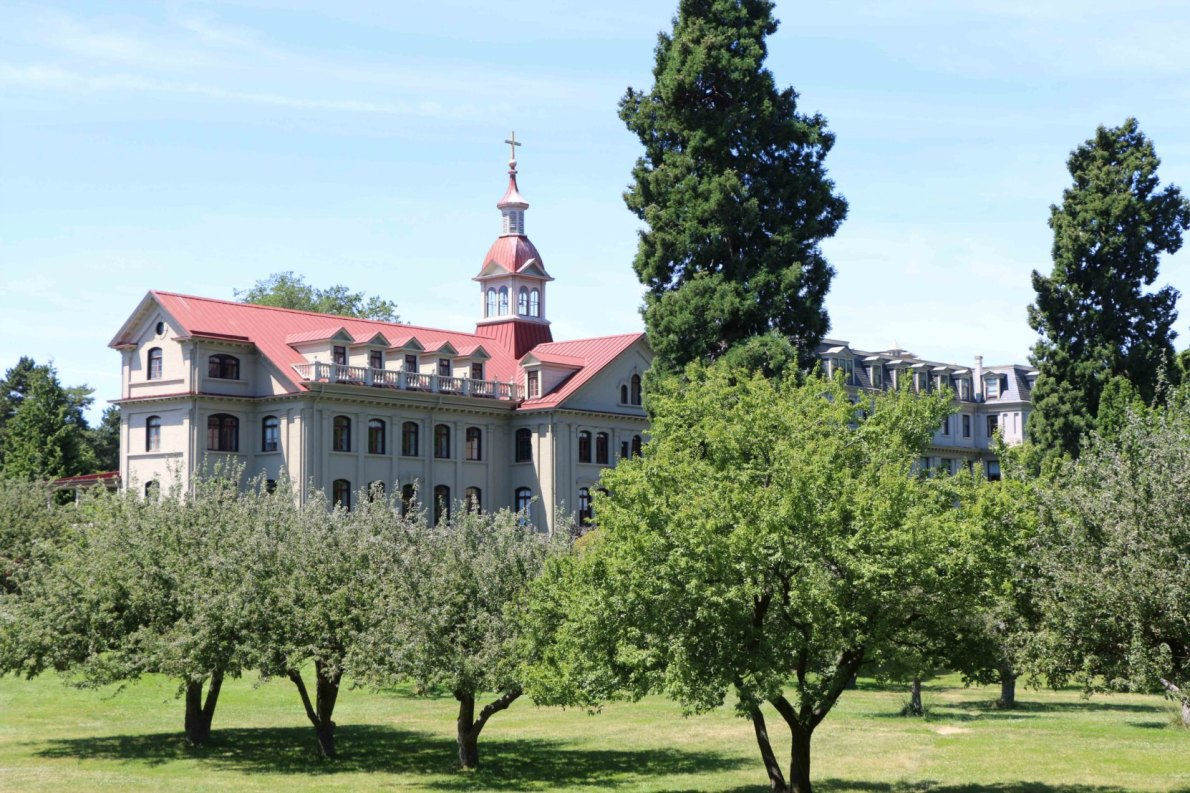 St. Ann's Academy, 835 Humboldt Street. Viewed from Humboldt Street (photo by Victoria Online Sightseeing Tours)