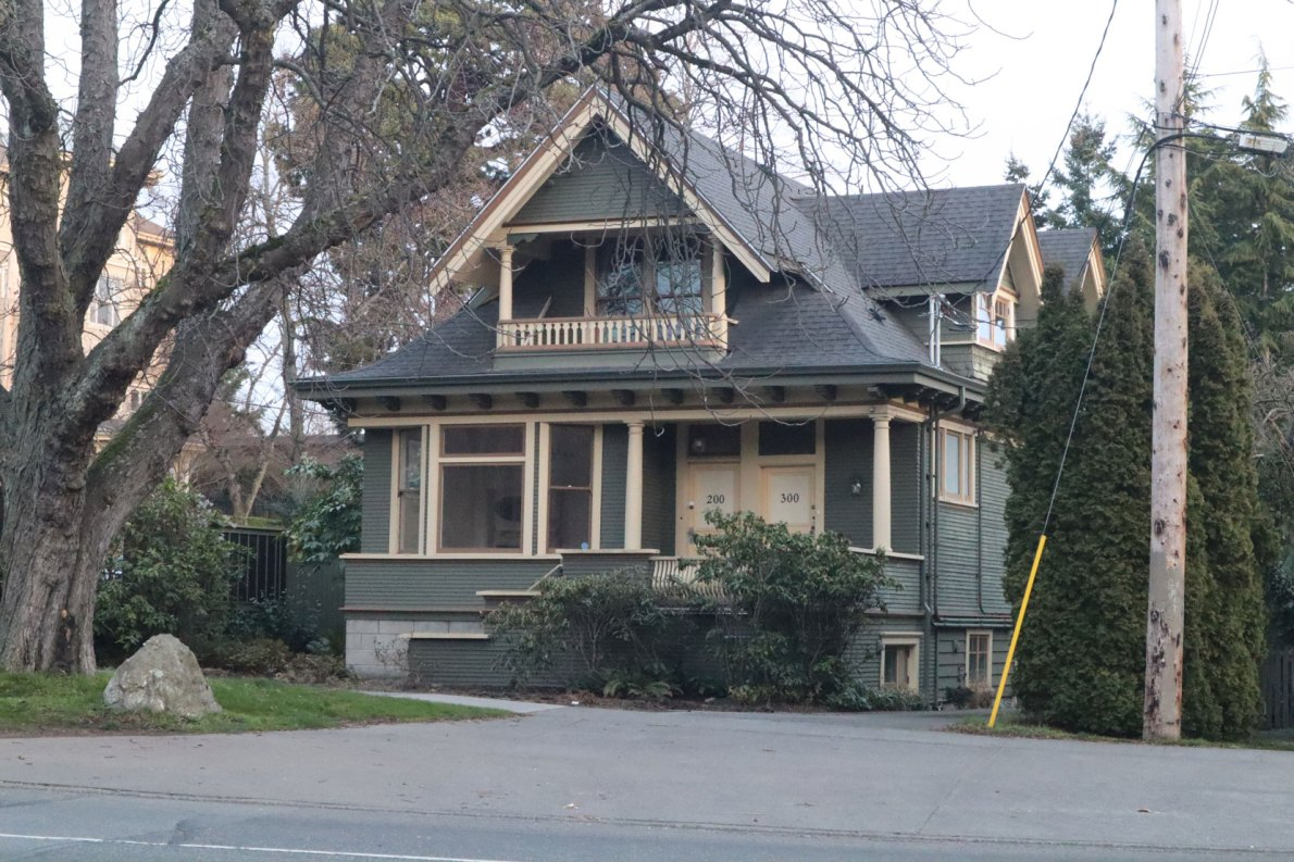 903 HUmboldt Street, built in 1912. (photo: Victoria Online Sightseeing Tours)