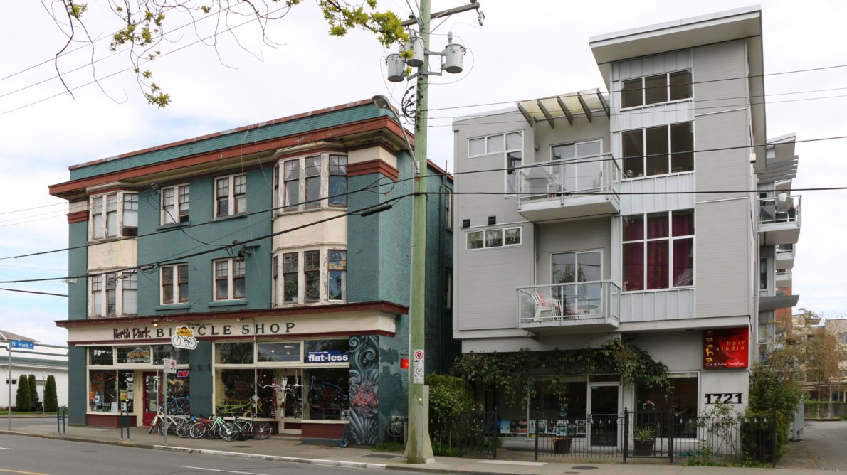 1721 Quadra Street (right), built in 2005, and 1723-1725 Quadra Street, built in 1914, and examples of three storey mixed residential/commercial buildings built ninety years apart. (photo: Victoria Online Sightseeing)