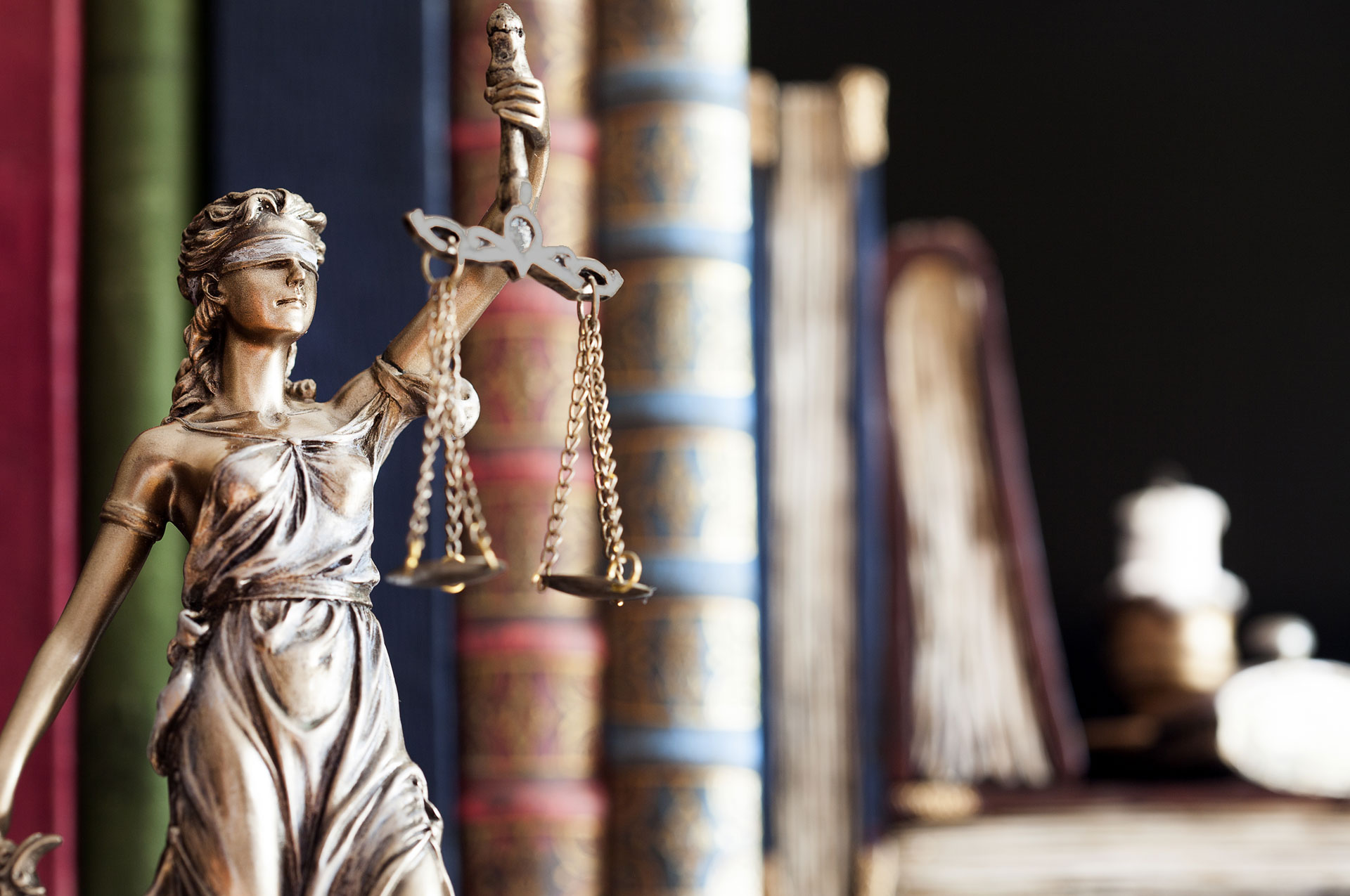 Why you should use an Immigration Lawyer