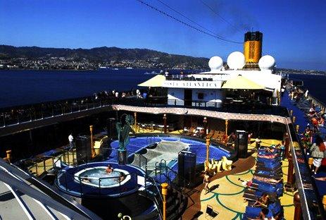 Deck de um cruzeiro marítimo