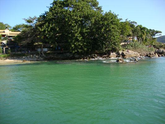 Águas claras e transparentes - Bombinhas - SC