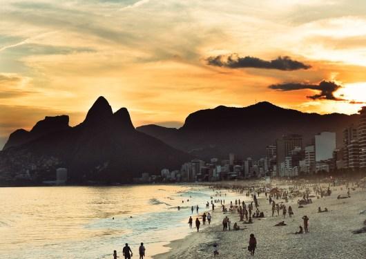 Pôr-do-sol na Praia de Ipanema
