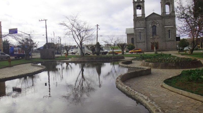 Praça e Igreja de São Joaquim - SC