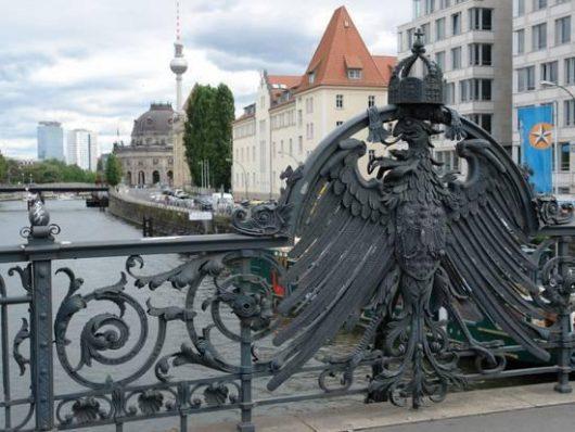 Weidendammer Bridge em Berlim na Alemanha