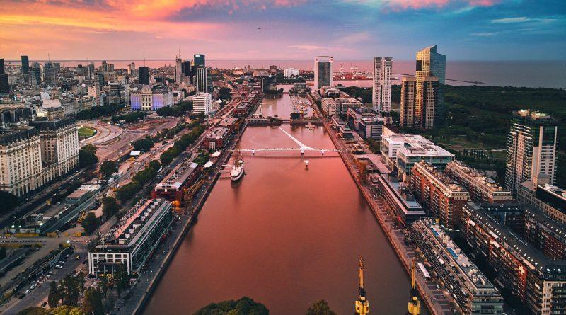 "Foto por Deensel/CC BY 2.0 ""Puerto Madero em Buenos Aires"""