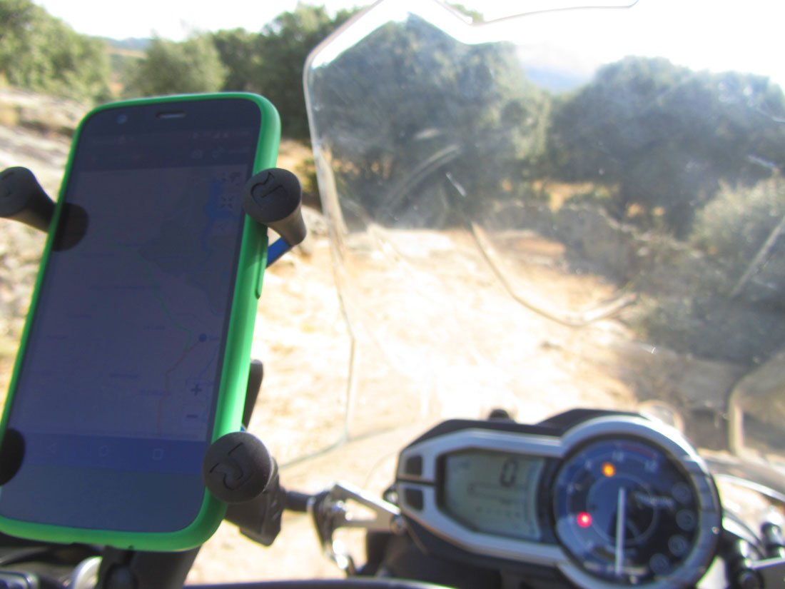 Porta móvil para manillar de moto o bici