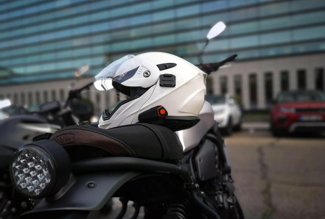 Casco con intercomunicador de moto