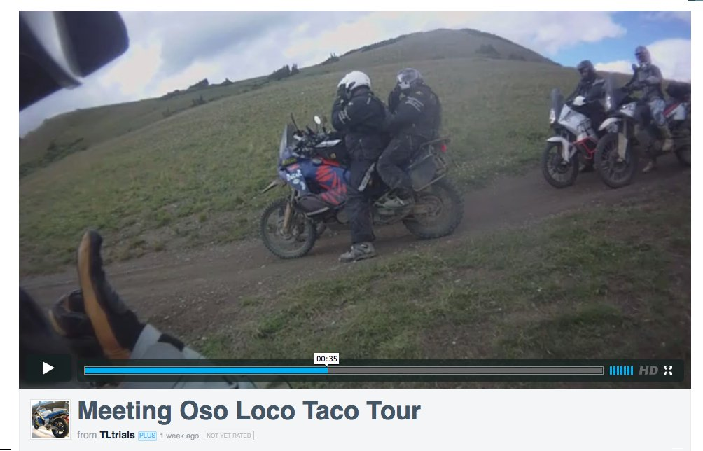 Captura de un vídeo, tres motos y cuatro personas