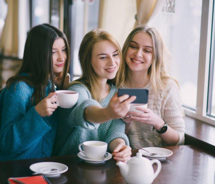 Puedes tener una vida social luego de convertirte en madre?