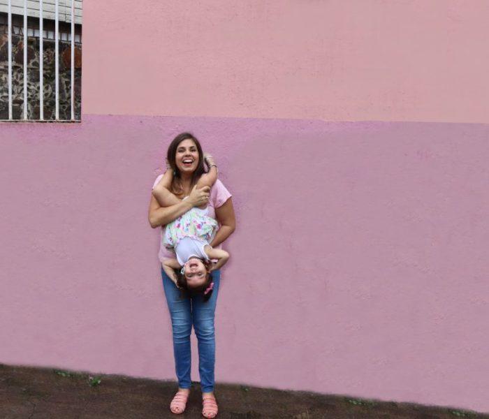Rebel – Ando a Mamá: Paola Elízaga