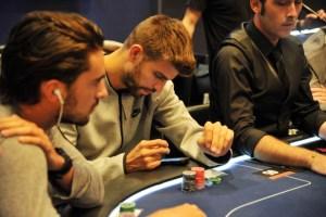 Жерар Пике на чемпионате по покеру