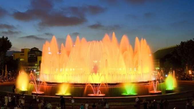 Поющие фонтаны в Барселоне