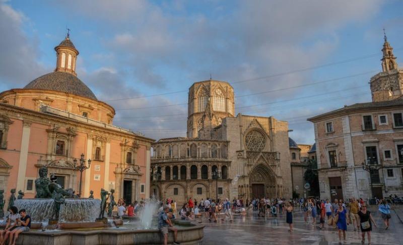 Площадь Богородицы Валенсия
