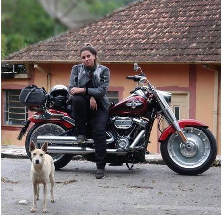 Viajar sozinha de moto é possível!