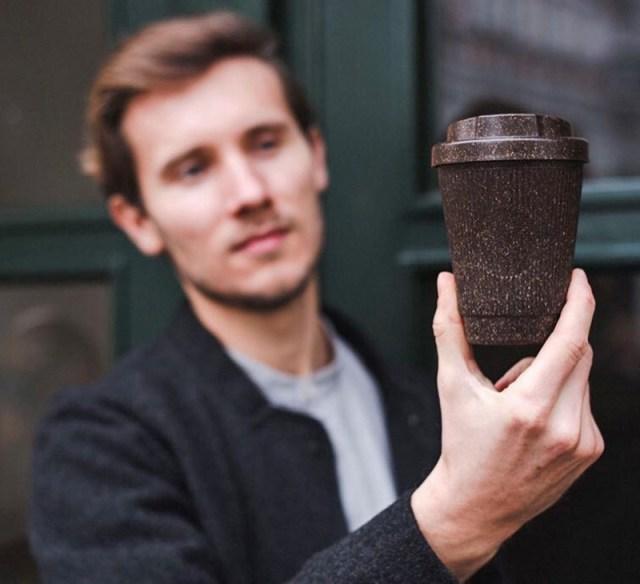 Empresa faz copos e xícaras com resíduos de café