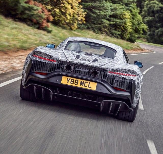 McLaren faz testes finais em novo supercarro híbrido de alto desempenho