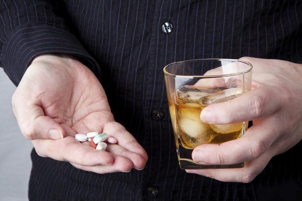 antibióticos y alcohol mito o realidad