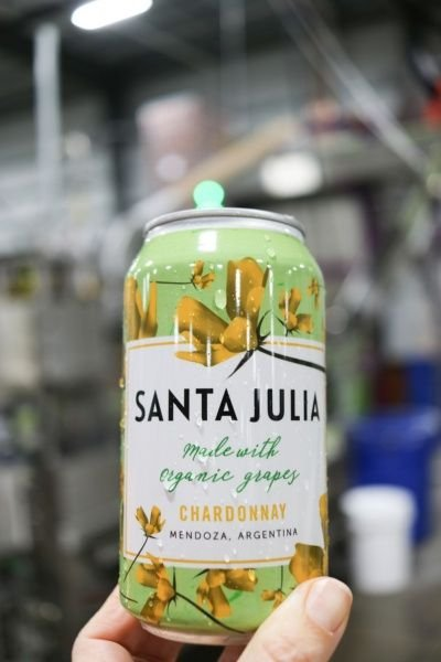 Argentina aposta em vinho em lata para concorrer com cerveja