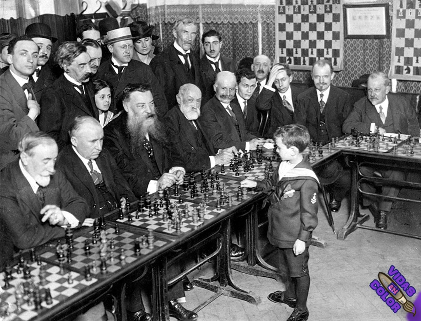 samuel_reshevsky_age_8_ajedrez_france_1920_byn