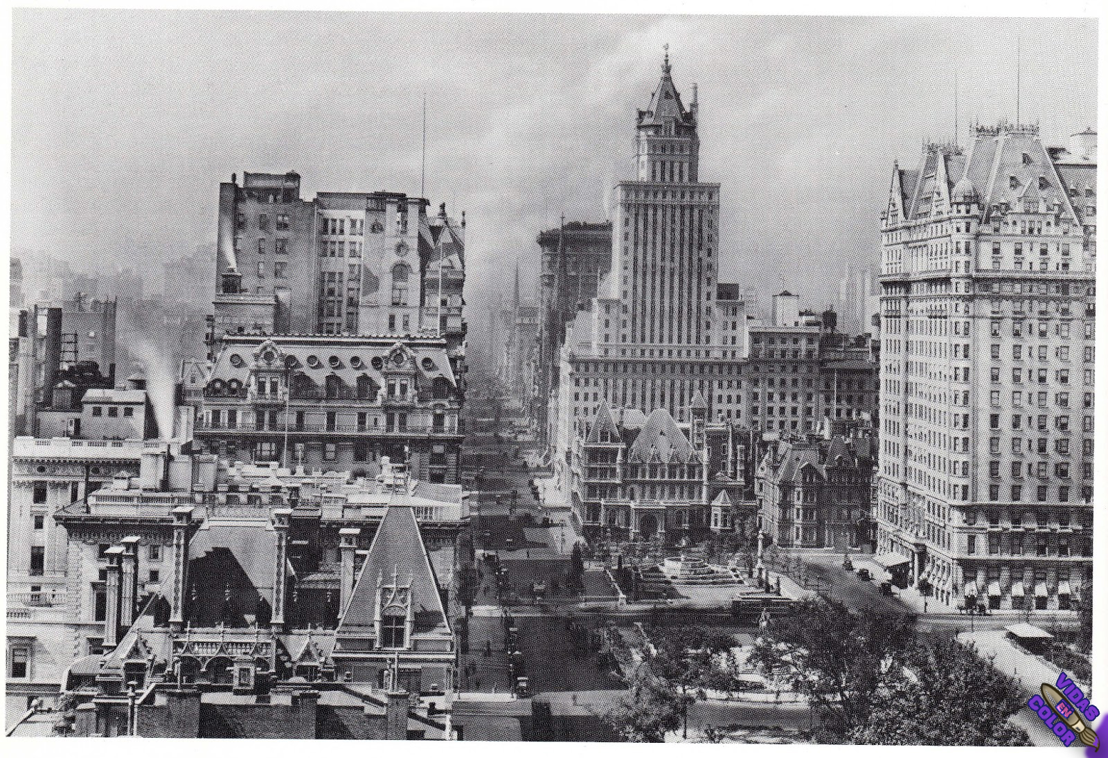 fifth_avenue_looking_south_from_east_63rd_street_apartment_building_may_1924_byn