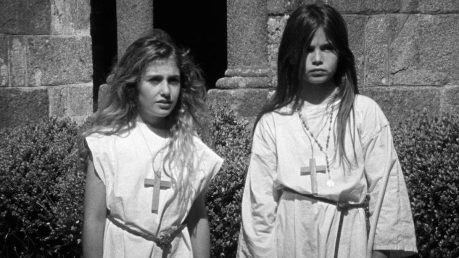 Les filles au Moyen Age - Hubert Viel