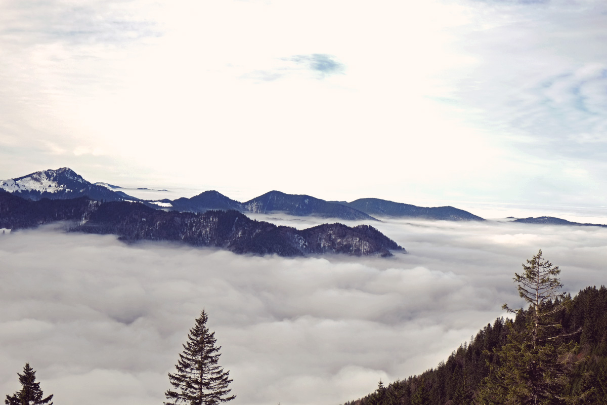 Videonauts Winterwandern Wallberg Tal im Nebel