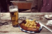Videonauts Zugspitze Trekking über Ehrwald - Currywurst und Pommes oben