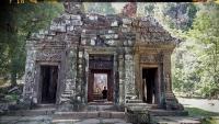 Videonauts backpacking Laos Wat Phu 1
