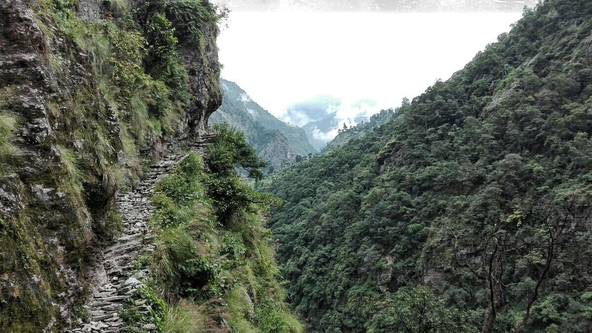 Videonauts backpacking Nepal Manaslu Circuit III